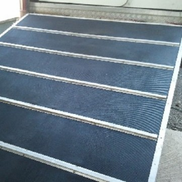 Trailer Ramp Roll